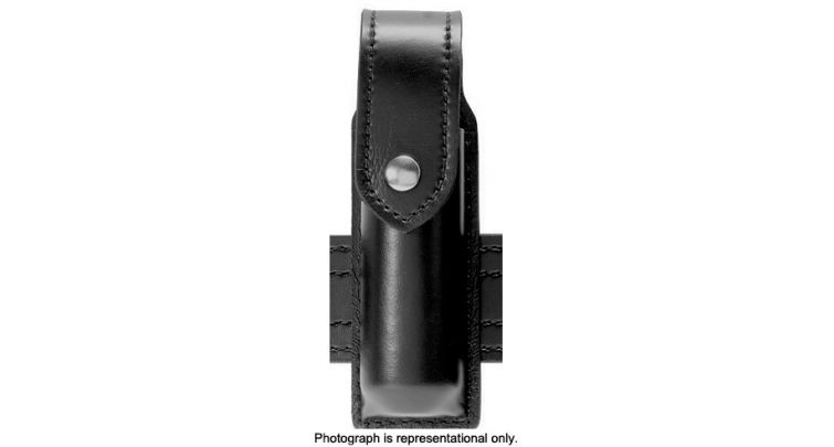 FLASHLIGHT CARRIER W/FLAP BW H
